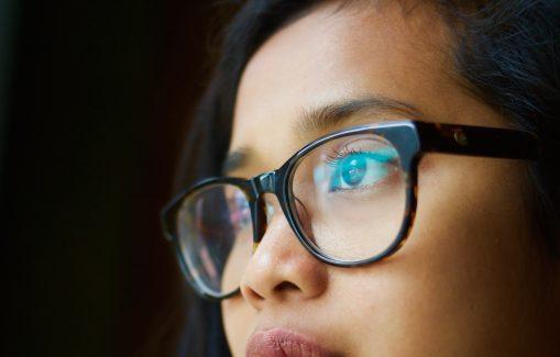 looking_at_screen